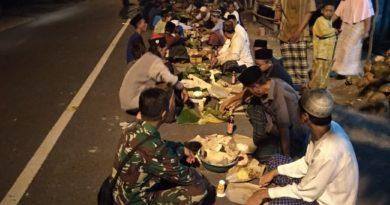 Babinsa Jenu Tuban Sertu Tri Bramanca Bersama Warga Desa Binaan Adakan Do'a Bersama Tangani Covid 19