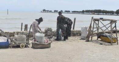 Gerakan Bersih Pantai Bersama Bintara Otonomi Khusus Papua Di Bumi Ronggolawe